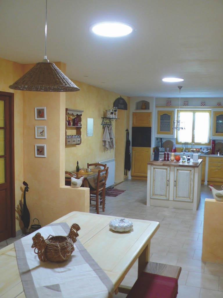 plus d 39 clairage naturel dans la cuisine nature confort. Black Bedroom Furniture Sets. Home Design Ideas