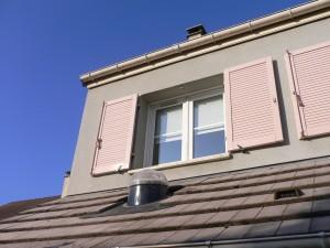 Installation du conduit de lumière sur le toit